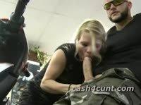 Подружка байкера еще совсем невинна