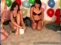 Развратные игры с надувными шариками