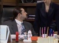 Красивая секретарша в очках дала начальнику