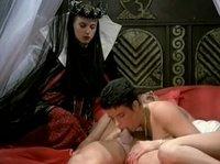 Парень трахнул двух принцесс
