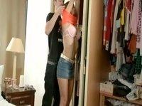 Молодая пара трахается дома у девушки