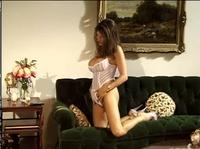 Звериный секс на полу