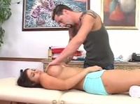 Секс в массажном кабинете