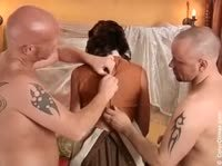 Четыре члена на одну шлюшку