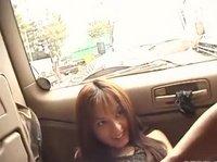 Минет от азиатка в машине