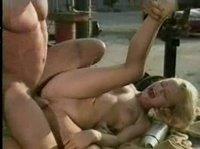 Прекрасный секс с девой на ферме