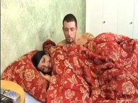 Утренний секс молодой семейной пары