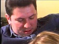 Муж трахнул свою милую жену в ее киску