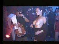 В клубе конкур на самую красивую грудь и попку