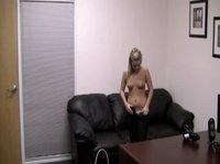 Молоденькая блондинка решила попробовать себя в порно бизнесе