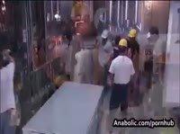 Бригада строителей трахает молодую начальницу