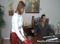 Босс наказал и трахнул свою грудастую секретаршу