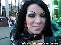 Иностранец трахает в жопу русскую проститутку
