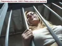 Негры отпороли заключенную