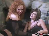 Групповой секс на даче с путанами
