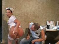 Медсестру в попу