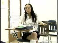 Студентка в очках ублажила учителя