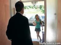 Пышная Сандра извиняется перед отцом подруги