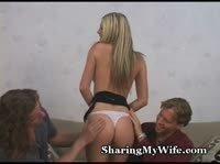 Длинноволосая француженка трахается перед мужем
