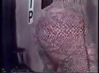 Влажная негритянка с огромной жопой